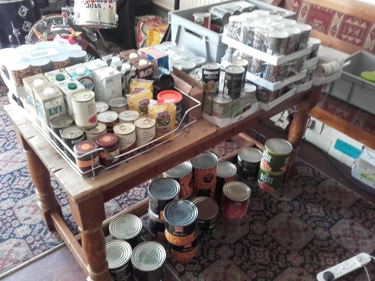 food-hub-tins