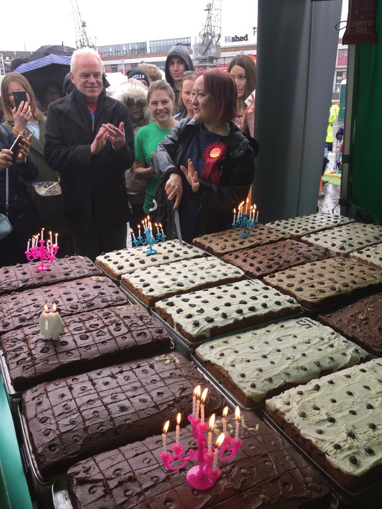 animal aid cake